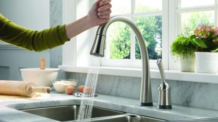 delta-pilar-kitchen-faucet